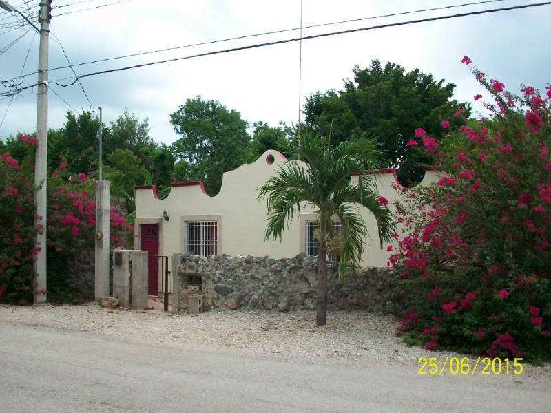 Charming 2 Bedroom Home in Magical Izamal, Yucatan. Within Walking Distance to Centro Izamal.