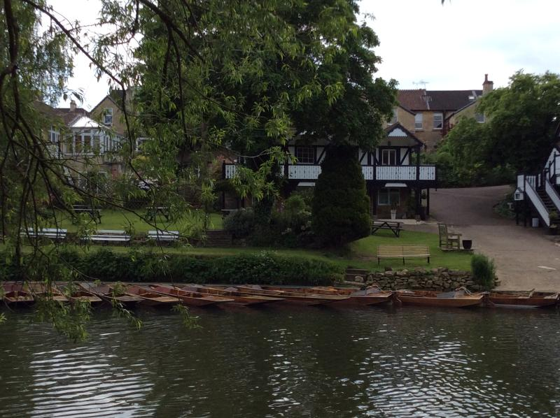 Hire a rowing boat or punt at the Bathwick Boating Station, just a 2 minute walk away.