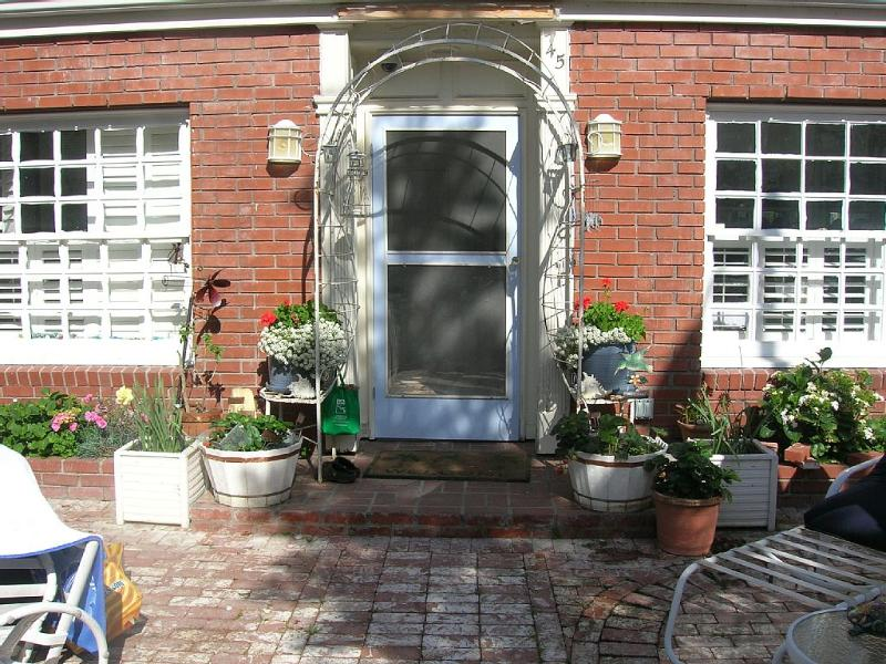 Beach Cottage in family-friendly area, holiday rental in Belmont Shore