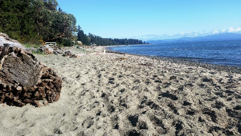 2 bedroom on Rathtrevor Beach, holiday rental in Parksville