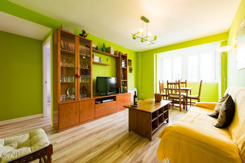 Feel at Home. Good Vibes, vacation rental in Leganes