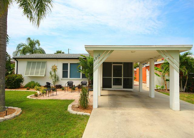 4850 Coral Rd - Pool Home with Beach easement, holiday rental in Fort Myers Beach