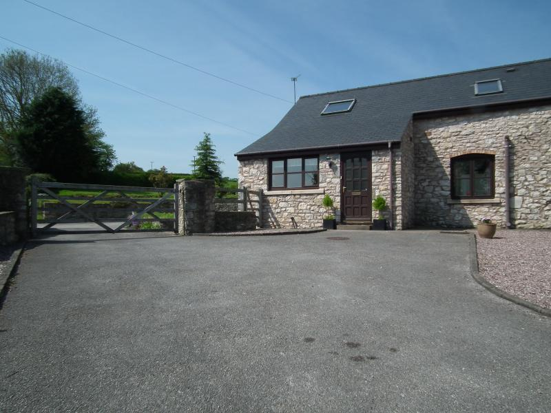 The Cottage at Fachallt, set in the beautiful Welsh countryside but a close to local amenities,