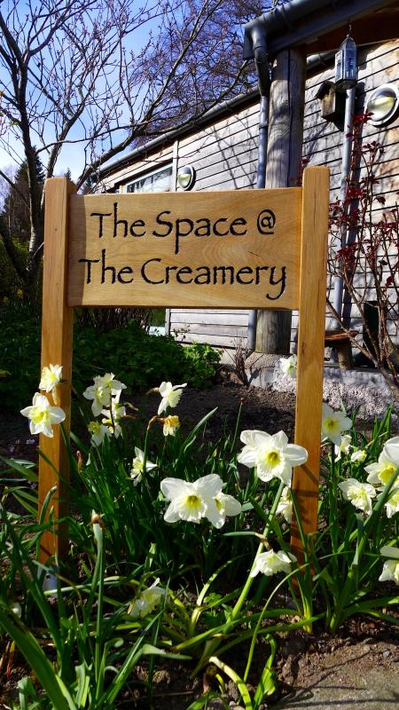 Naturally warm and spacious former creamery in beautiful surroundings.