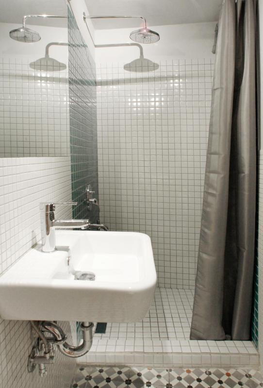 Rain Shower bathroom