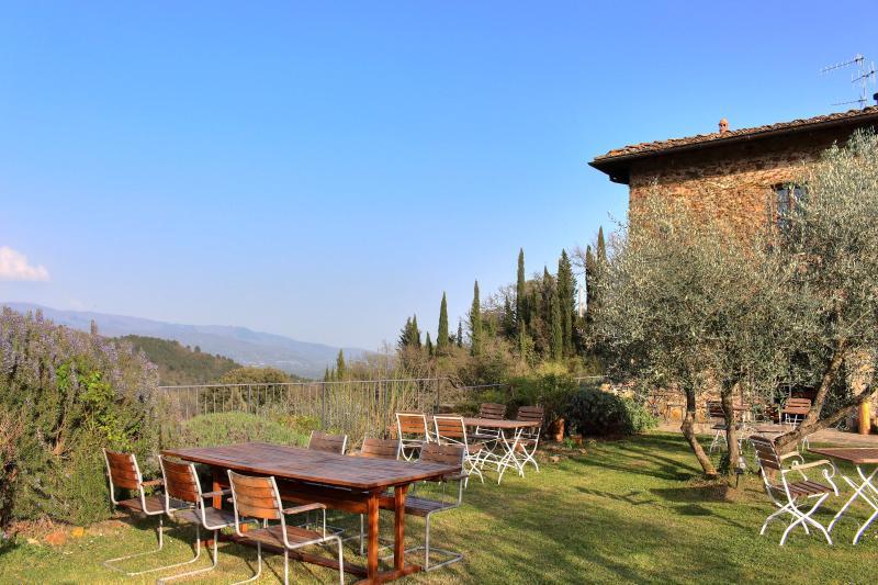 Stunning villa in in Chianti with pool, Mughetti, holiday rental in Ponte Agli Stolli