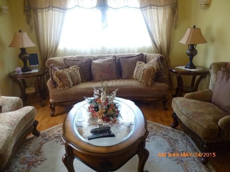 1st Living Room GoBajac
