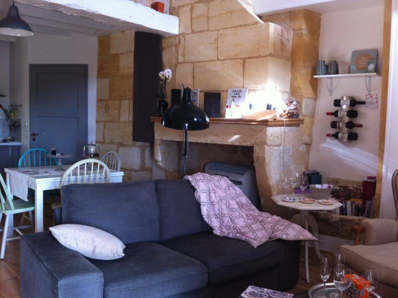 Maison au coeur de Saint Emilion, casa vacanza a Saint-Hippolyte