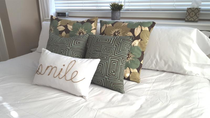 Master Bedroom #2 - King Size Bed (all new resort quality linens and bedding)