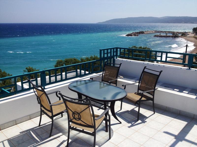 Seaview Beach Maisonette Apartment, location de vacances à Komi