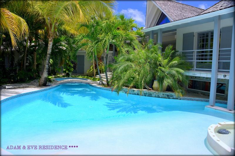 RESIDENCE**** ADAM & EVE / RENT DE  4 à 7 CHAMBRES, holiday rental in Orient Bay