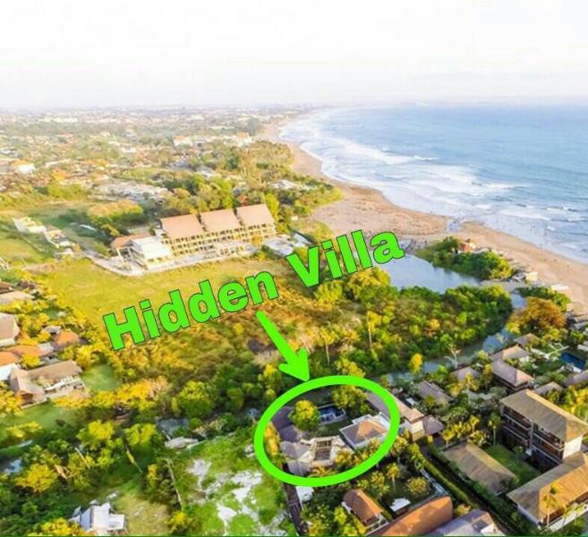 This is us.   Just a one minute walk from the beach in Jalan Nelayan, Canggu.   Surfers' paradise.