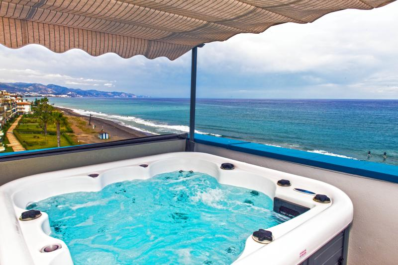 The Jacuzzi with views over the Mediterranean