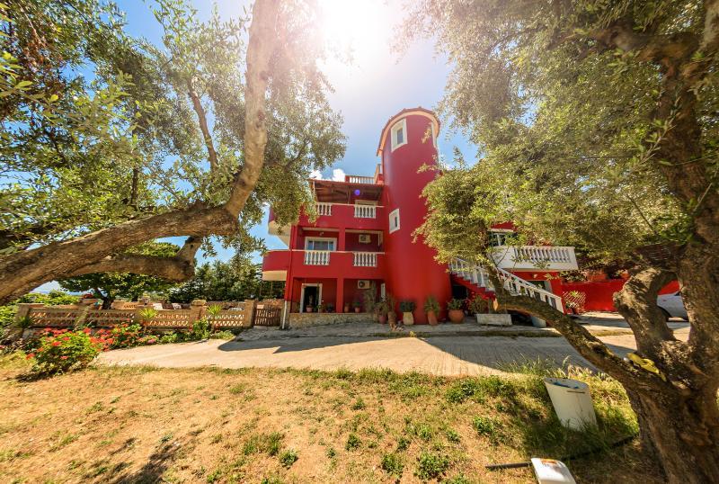 Villa Parys, vacation rental in Ano Vasilikos