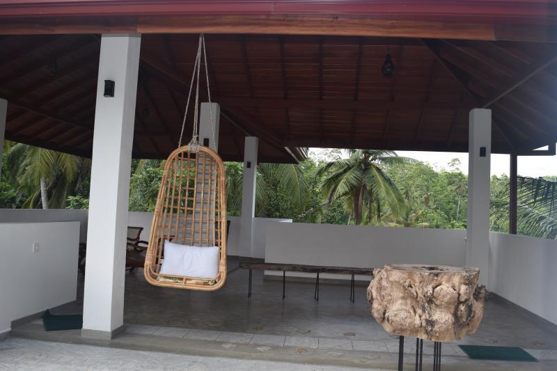 Villa sooriya, vacation rental in Hiniduma