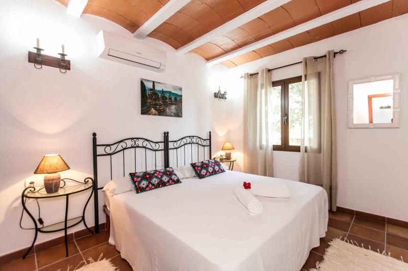 Bedroom 7, ensuite- guesthouse
