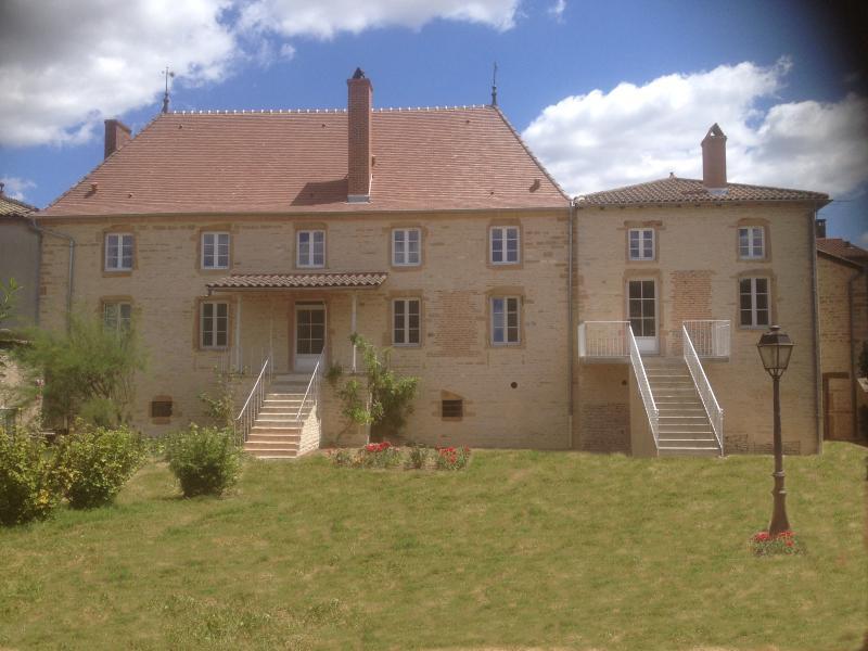 Le Logis d'Azé, holiday rental in Sance