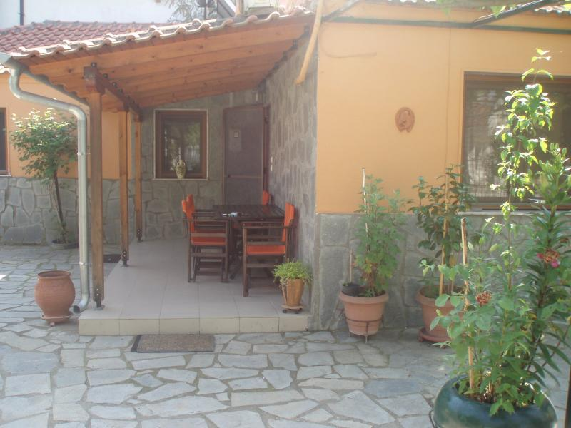 Glowworm House, vacation rental in Kavala