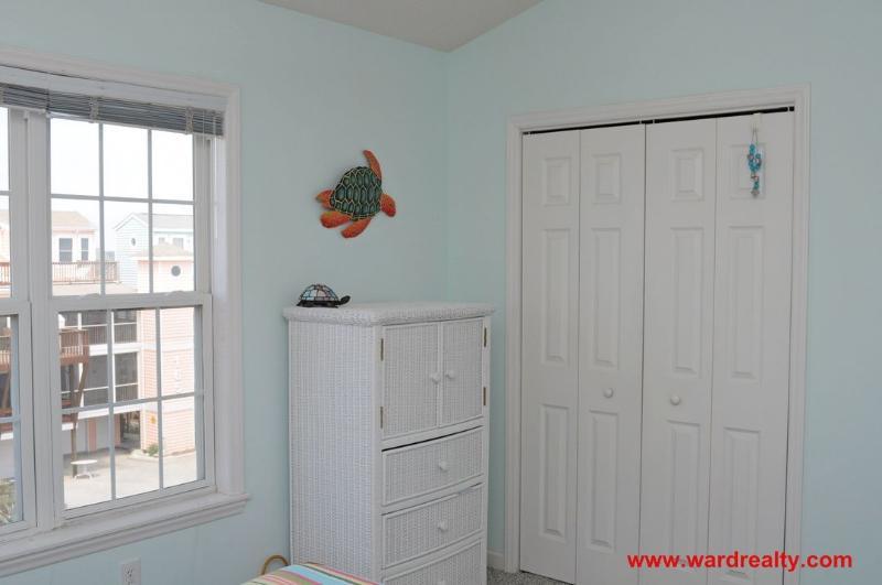 Top Floor Queen Bedroom II