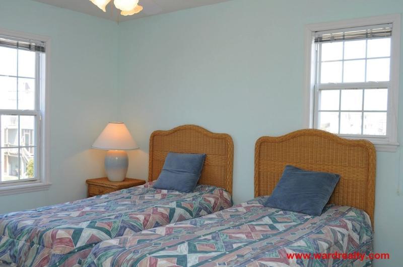 1st Floor North Streetside Bedroom with 2 Twins