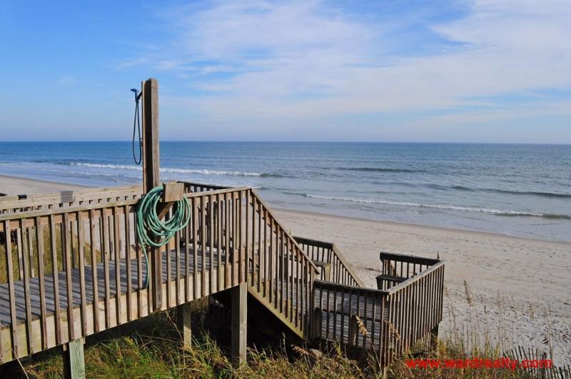 1st Floor Sun Deck & Beach Access