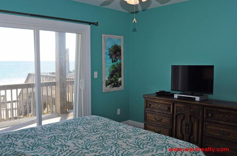 1st Floor North Queen Bedroom II