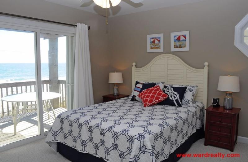 1st Floor South Oceanfront Bedroom w/ Queen