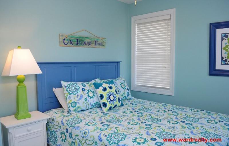 1st Floor South Streetside Bedroom with Queen