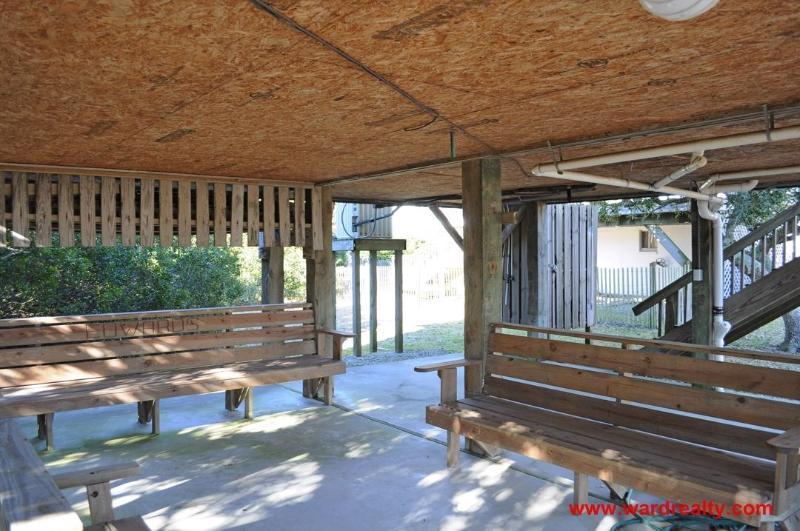 Sitting Area in Carport & H/C Outdoor Shower