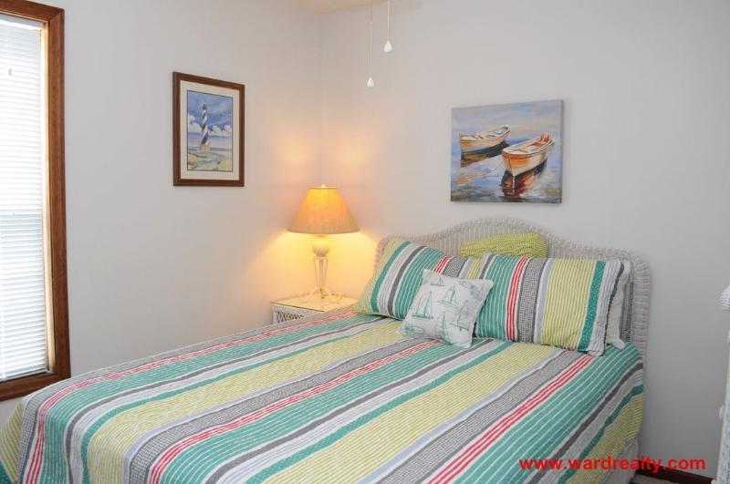 1st Floor Bedroom w/ Queen