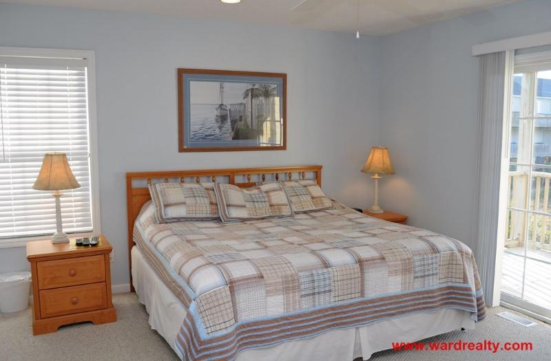 1st Floor Master Bedroom - King