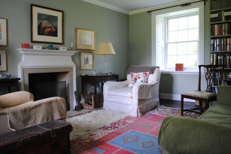 The small sitting room
