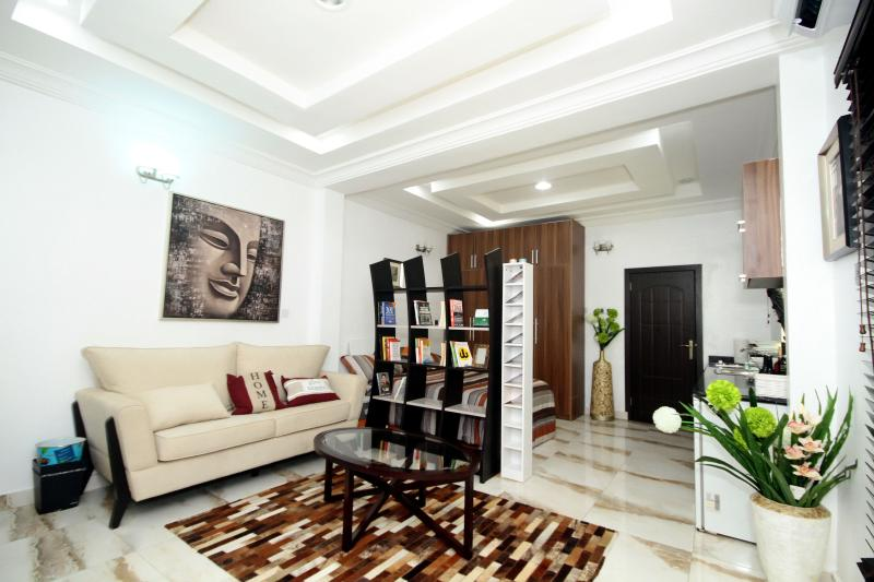 Beautiful Studio Flat in Lekki Phase 1, holiday rental in Lagos State