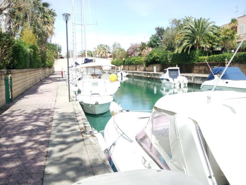 Molo lungo canale 3
