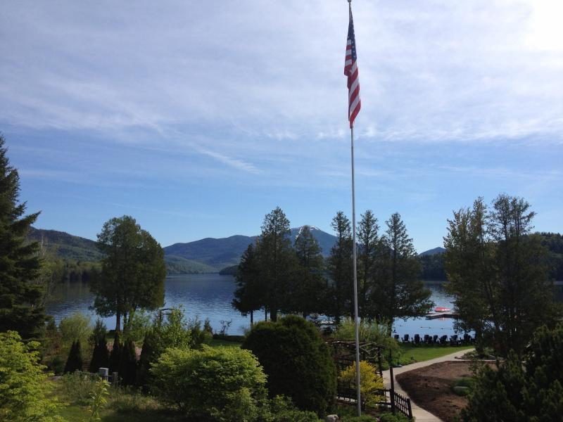 Luxury Condo on the Shores of Lake Placid!, holiday rental in Bloomingdale
