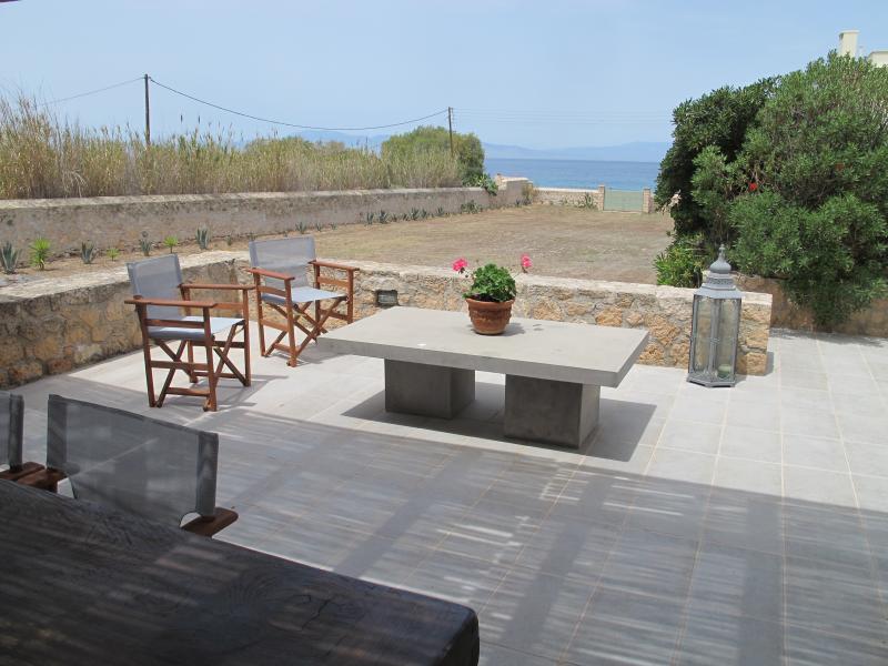 MODERN VILLA ON THE SEA, holiday rental in Aegina Town