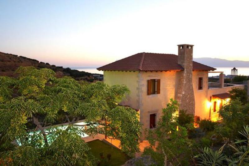 Villa Patriko: Lux villa with pool next to Balos, vacation rental in Kissamos