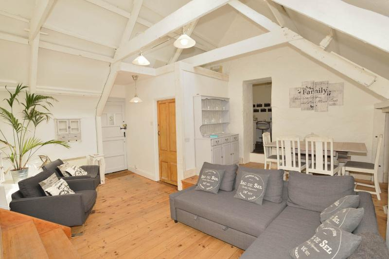 2 The Courtyard, holiday rental in St Ives