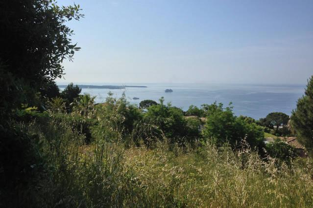 Le parc de la Croix des Gardes accessibles directement de la résidence, pour la promenade le jogging