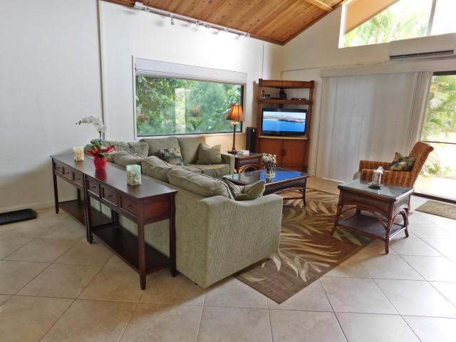 Tropical 4-bdrm, 3-bath ground-floor - Remodeled!, vacation rental in Kihei