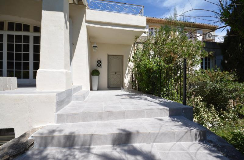 Campagne chic en ville, vacation rental in L'Isle-sur-la-Sorgue