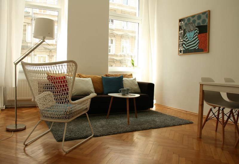Spacious Apartment / Apartamento amplio, holiday rental in Sobotka
