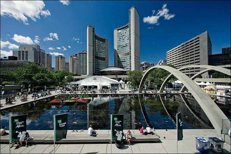 City Hall/Nathan Phillips Square