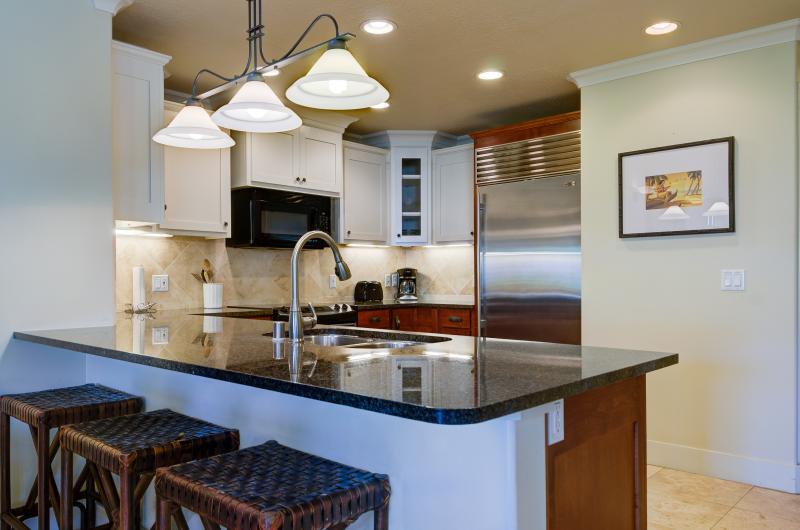 Modern kitchen, granite counter tops, ss appliances