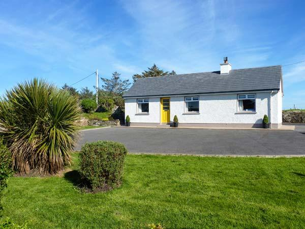 THE CROMLECH COTTAGE, detached cottage by historic Dolmens, woodburner, garden, location de vacances à Kilcar