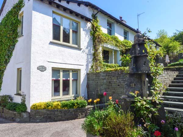 GABLE END, semi-detached, Jacuzzi, woodburner, WiFi, nr Coniston, Ref 937121, holiday rental in Coniston