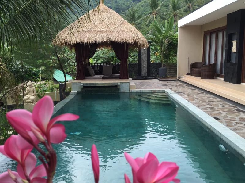 Beautiful 2-bedroom villa with private pool, holiday rental in Lombok