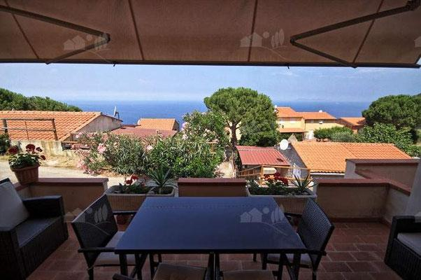 Grazioso appartamento Bilocale vista mare, holiday rental in Sant'Andrea