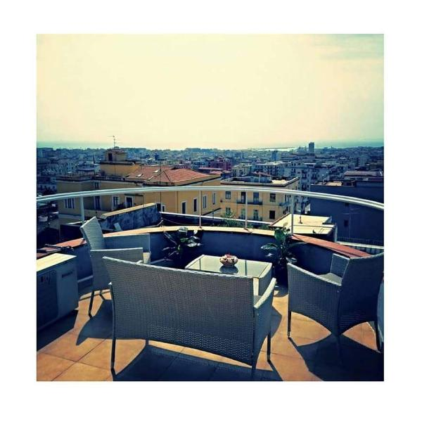 Wonderful penthouse overlooking the city. In a convenient central location, within walking distance from the center