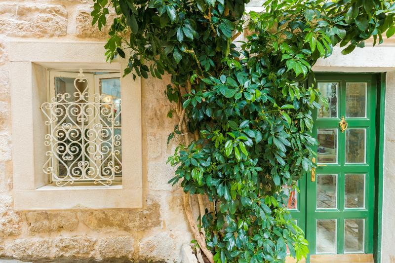 MIA CASA Beautiful stone house from the 19th century in Dubrovnik